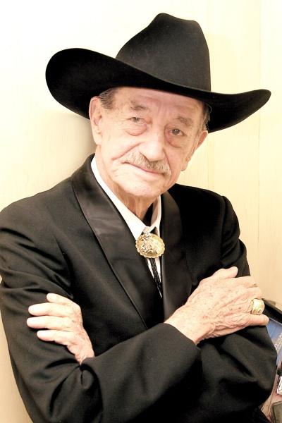 Fallece a los 94 años el actor mexicano Mario Almada