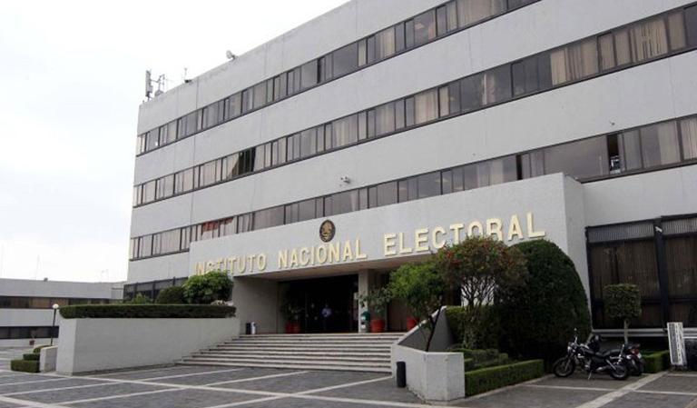 INE aprueba nuevo sistema de votación electrónico.