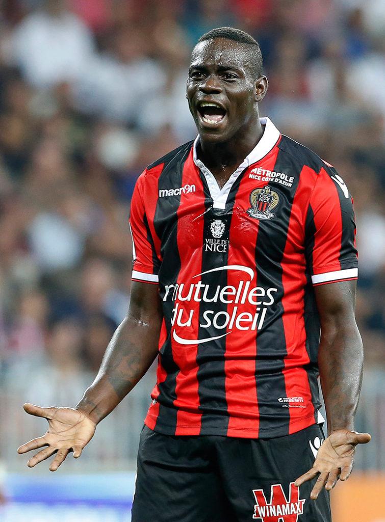 Balotelli revive futbolísticamente en el Niza. EFE/EPA/SEBASTIEN NOGIER