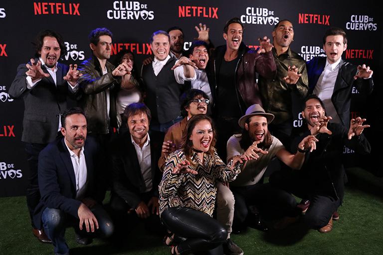 Club de Cuervos celebró el lanzamiento de su segunda temporada