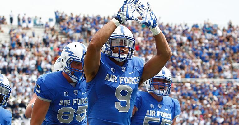 De las fuerzas aéreas a la NFL