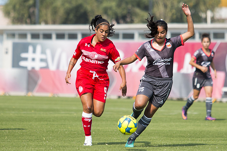 Abran paso a la Liga Femenil de futbol en México