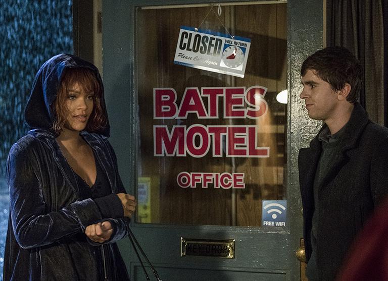 A disfrutar del final de Bates Motel… con Rihanna