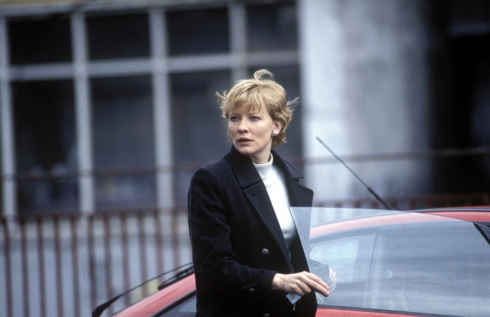 Los conflictos periodisticos de Veronica Guerin (2003)