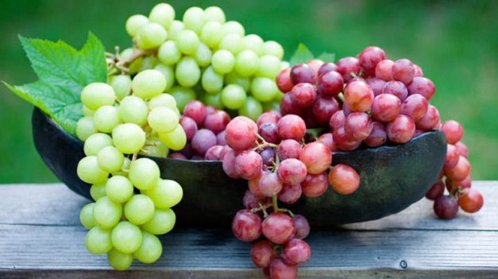 10 beneficios de comer uvas
