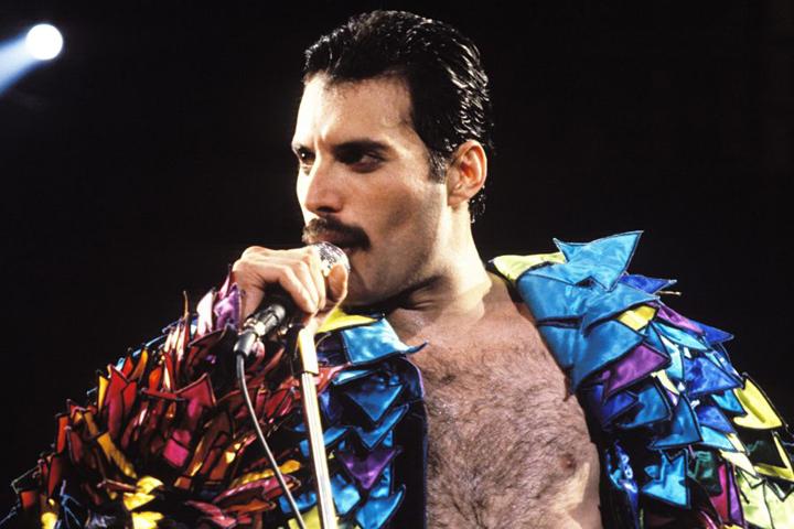 Los 10 mejores cantantes con sus grupos de la historia