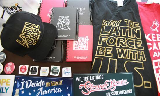 """Campaña responde """"qué pueden hacer"""" los mexicanos frente elecciones en EE.UU."""