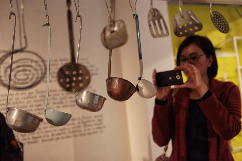 """""""Del plato a la boca"""", un homenaje al valor histórico y social de la cocina"""