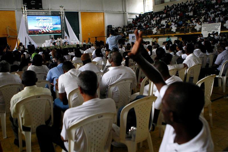 Expresidentes colombianos piden a jefes de Estado no asistir a firma de paz
