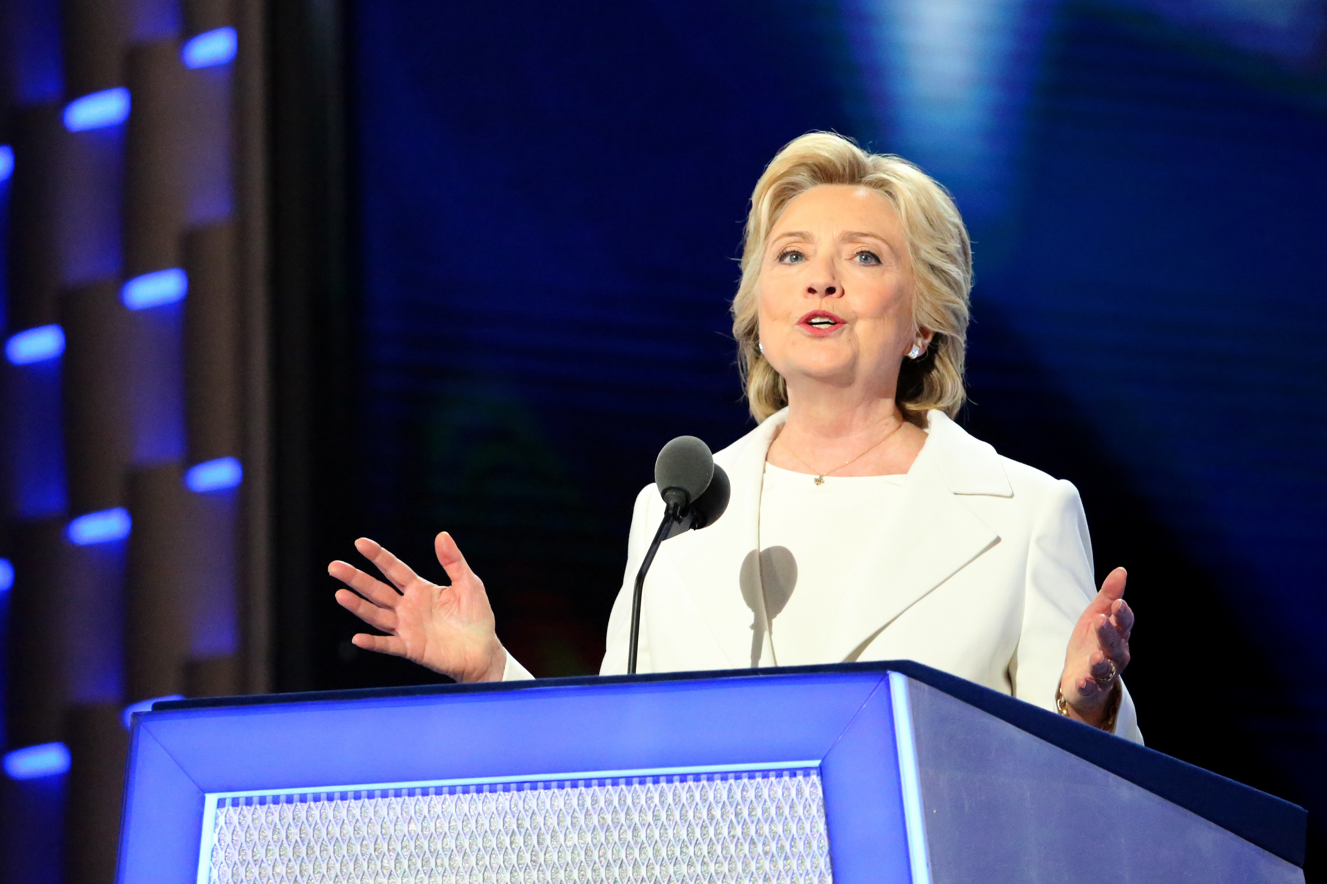 """Gobierno de México """"respeta"""" decisión de Clinton de rechazar invitación"""