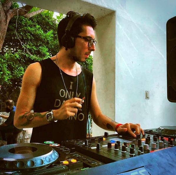 Alex Young el talento Colombiano