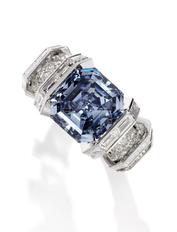 El diamante Sky blue, valorado en 22,5 millones, se presenta en Londres