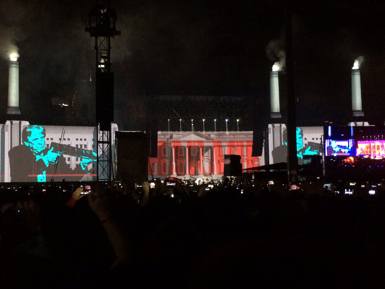 Lo visual, el show alterno de Roger Waters
