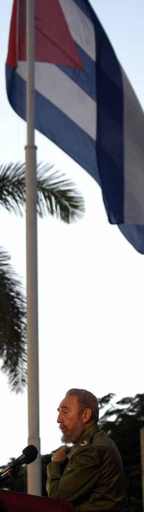 """CUBA-CASTRO-ELI¡N:MTZ10 MATANZAS (CUBA) 07/12/05 .- El presidente cubano Fidel Castro pronuncia un discurso durante un acto organizado para celebrar el duodÈcimo cumpleaÒos del pequeÒo balserito Eli·n Gonz·lez y el sexto aniversario de la """"Batalla de Ideas"""", ayer martes 6 de diciembre en la ciudad de C·rdenas, unos 150 kilÛmetros al este de La Habana. EFE/Alejandro Ernesto"""