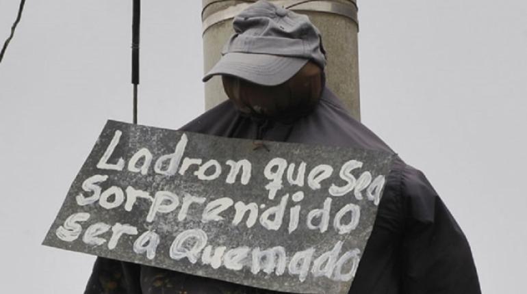 """Por falta de justicia en México crecen los """"vengadores anónimos"""""""