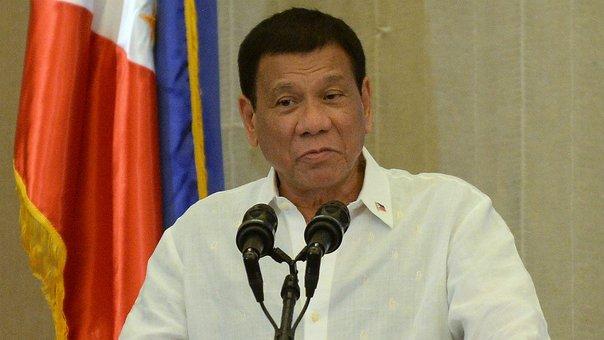 Presidente confiesa haber matado con sus propias manos