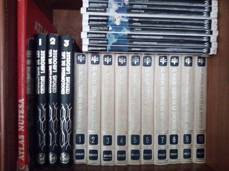 ¿Enciclopedias en la era digital? Crónica del paso del tiempo en los libros